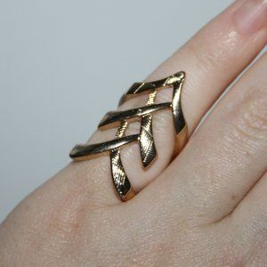 Gold fashion ring size 5